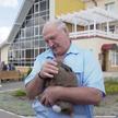 Семья из агрогородка Тихиничи подарила Александру Лукашенко кролика (ВИДЕО)