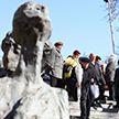Боль без срока давности: в мемориальном комплексе «Яма» прошёл траурный митинг в память о 75-летии Минского гетто