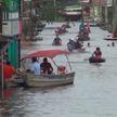 COVID-19: Великобритания снимает ограничения, наводнения затрудняют вакцинацию в Бразилии