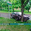 На пр. Пушкина пьяный водитель врезался в дерево, а затем в автомобиль