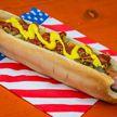Два мировых рекорда побили на соревнованиях по поеданию хот-догов в Нью-Йорке
