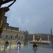 Папа римский молился о скорейшем завершении пандемии коронавируса на пустой площади Святого Петра
