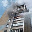 При пожаре в многоэтажке Минска удалось спасти мать и её маленькую дочь (Видео)