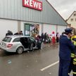 Полиция Германии рассматривает наезд на толпу в Фолькмарзене как покушение на убийство