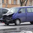 В Гомеле столкнулись трактор и микроавтобус – пострадал годовалый ребенок