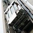 Канадец пережил падение в сорвавшемся с десятого этажа лифте