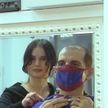 Стильно и безопасно: врач из Витебска заказал в ателье маски под цвет рубашек