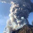 Извержение вулкана Стромболи в Италии: один турист погиб