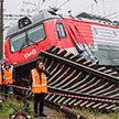 В Санкт-Петербурге столкнулись и сошли с рельсов два грузовых поезда