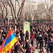 Конфликт в Армении не утихает: оппозиция в лице военных требует отставки Пашиняна