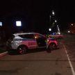 Volkswagen столкнулся со служебным авто Департамента охраны МВД в Осиповичах (ВИДЕО)