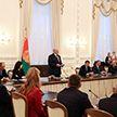 Лукашенко во Дворце Независимости вручил награды белорусским гребцам