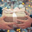 Что подарить девушке на Новый год: топ-10 необычных идей для подарка