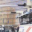 Протесты в мире: в Брюсселе полиция смывала водомётами митингующих, в Афинах применили слезоточивый газ
