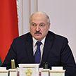 Лукашенко: Вот эти вбросы в интернет – персональные данные, угрозы семьям, детям – это должно вырезаться каленым железом
