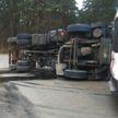 Самосвал опрокинулся в Минске – водитель попал в больницу