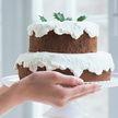 Официант запустил торт в лицо скандальной клиентки