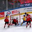 Сборная Швеции победила команду Австрии в матче молодежного ЧМ по хоккею