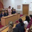 Наталья Кочанова встретилась в Могилёве с представителями местной цыганской диаспоры