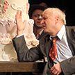 Купаловский театр представил в Вильнюсе популярный спектакль «Ревизор»