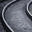 Пенсионер попал под поезд в Роще