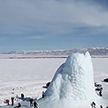 Чудеса природы: ледяной вулкан вырос посреди степи в Казахстане