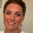 Кейт Миддлтон показала красивый загар, белоснежный топ и новую прическу