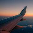 В Лондоне задержали двух человек после приземления самолета, сопровождаемого истребителями