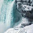 Холодно, но красиво. Замёрз Ниагарский водопад