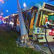 Троллейбус снёс столб на минской улице Гурского