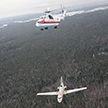 Вертолёт МЧС перевозит фюзеляж Як-40 (Видео)