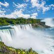 Мужчина прыгнул в Ниагарский водопад и чудом выжил
