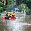 Наводнение в Великобритании: сотни человек заблокированы в торговом центре