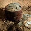 Клад из 10 тысяч древних монет нашли строители в Кракове