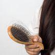 Ужасная укладка и ломкость? 4 правила, как подобрать расчёску по типу волос