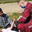 Литовские силовики привезли на границу и выбросили без сознания пожилую беженку