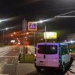 Микроавтобус снес светофор в Бресте