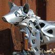 Художник создает их старых колёсных колпаков удивительных животных. Вы только посмотрите на это!