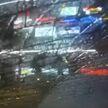 Ради видео в интернете подросток запрыгнул на милицейское авто и разбил стекло. Итог – уголовное дело