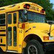 В Канаде дом на колесах врезался в школьный автобус, пострадали трое детей