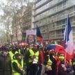 Коронавирусные ограничения и не только: волна протестов в выходные захлестнула Европу