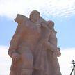 Жительница Бреста создает Аллею из советских памятников Героям Великой Отечественной войны, привезенных из Польши