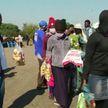 Благотворительную помощь во время эпидемии COVID-19 вынуждены часами ждать тысячи человек в ЮАР