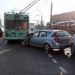 ДТП Минске: девушка за рулем легковой машины врезалась в троллейбус, а потом в маршрутку