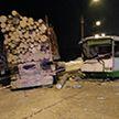 Автобус врезался в лесовоз в России, есть пострадавшие