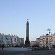 Пьяная молодежь осквернила монумент на Площади Победы в Минске