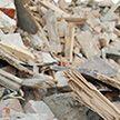 Жилой дом рухнул в Китае: люди оказались под завалами