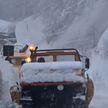 В Италии намело двухметровые сугробы снега