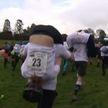 Когда жена на шее: необычный мужской забег прошёл в Великобритании