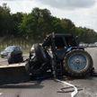 Трактор и автопоезд столкнулись возле Минска и перекрыли четыре полосы движения